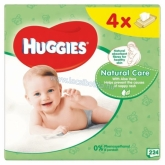 Huggies Natural care popsitörlőkendő 4 x 56 db-os